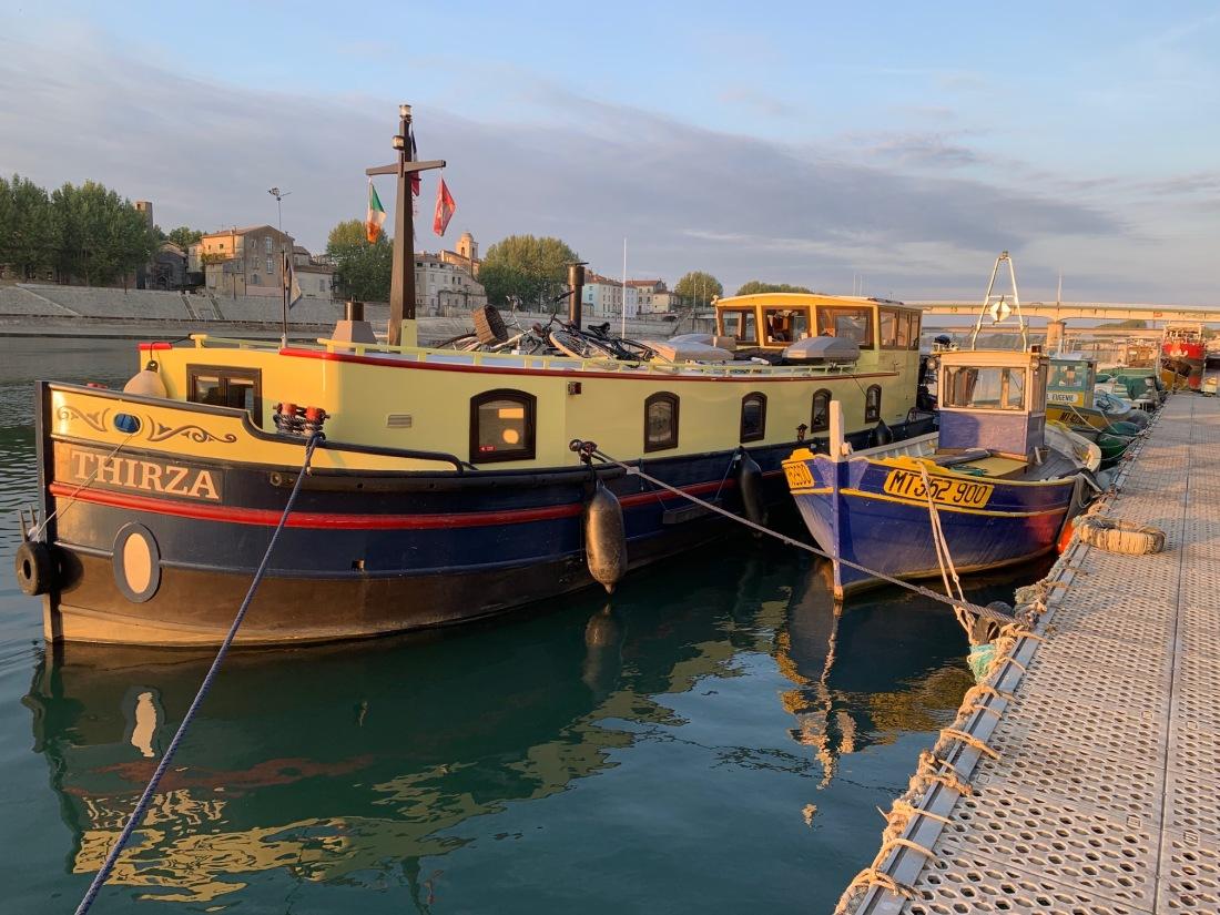 20190419 - 04 precarious mooring at Arles