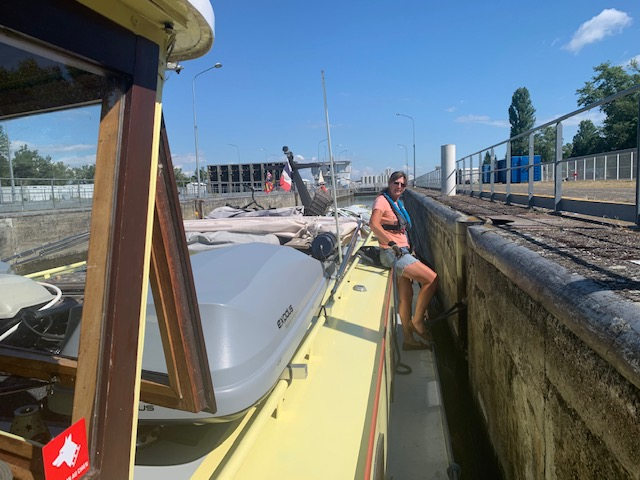 20200711 03 Our first Rhine lock