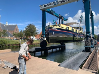 20200818 02 Lift out at de Haas boatyard