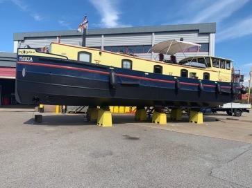 20200820 01 Lift out at de Haas boatyard